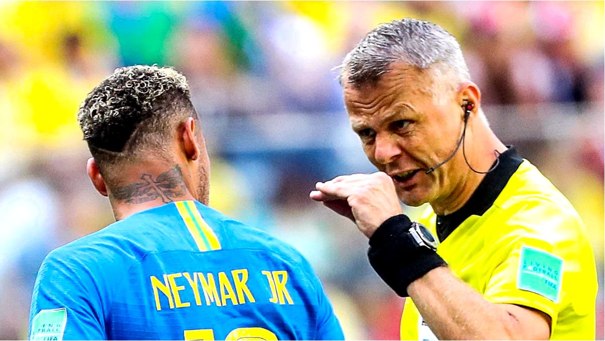 EURO 2020 FINAL REFEREE BJORN KUIPERS WAS A PLAYER-SIMULANT. HIS FATHER TAUGHT HIM A LESSON AND MADE HIM A REFEREE